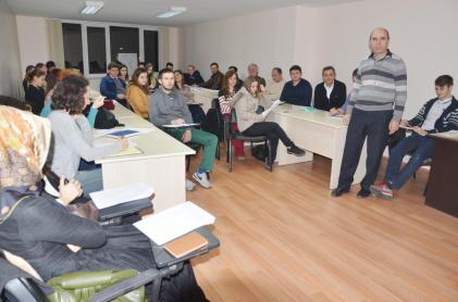 Qamil Bytyçi me kursistët e sivjetmë të shqipes në Stamboll