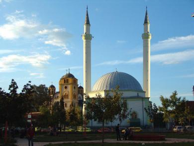 xhamia + kisha